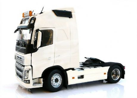 MarGe 1:32 Volvo FH16 4x2 in White